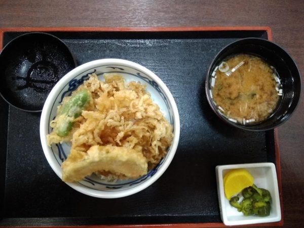 江の島での昼食、かき揚げ丼