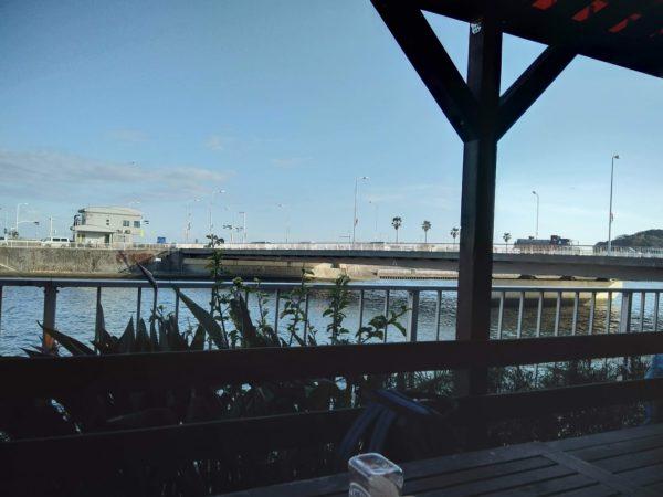 江の島近くのカフェ