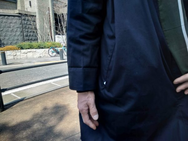 コットンシャツコートの着用例
