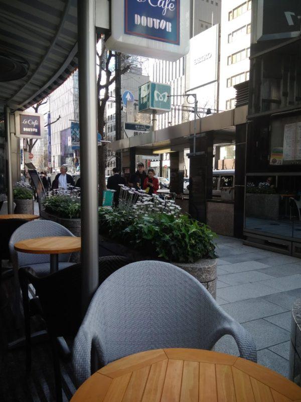 銀座4丁目交差点のカフェ