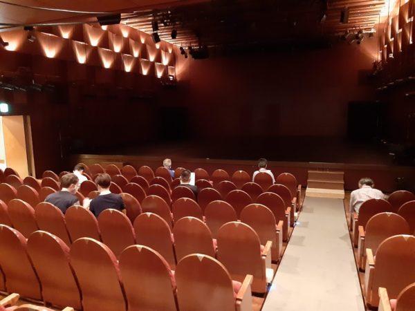 シアターχの舞台と客席
