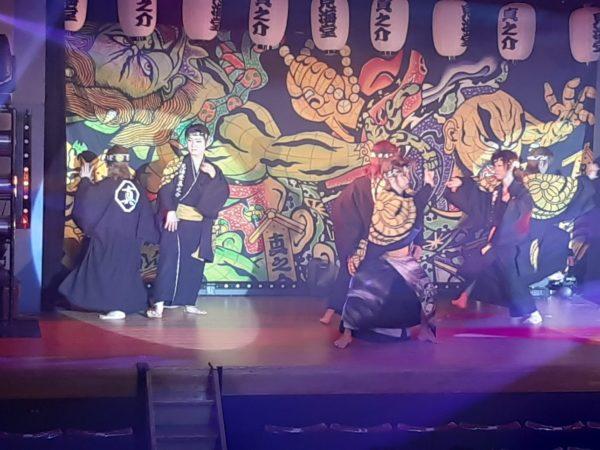 見海堂劇団の歌謡ショー