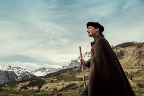 映画『アーニャは、きっと来る』の一場面
