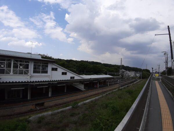 『西武園』駅から望む『八国山緑地』